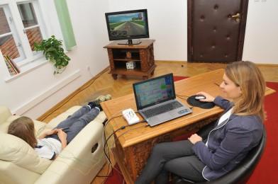 Poprawa koncentracji Przyśpieszenie pracy mózgu Redukcja stresu Trening mózgu metodą EEG Biofeedback